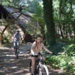 mountainbiken tijdens bushcraft zomerkamp